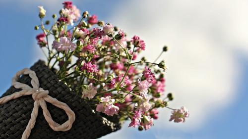 Rolul aranjamentelor florale la un eveniment