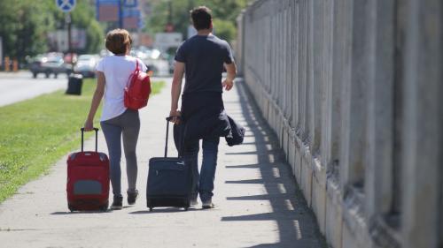 Românii, printre saracii Europei. Penultimul loc în UE la plecarea în concediu