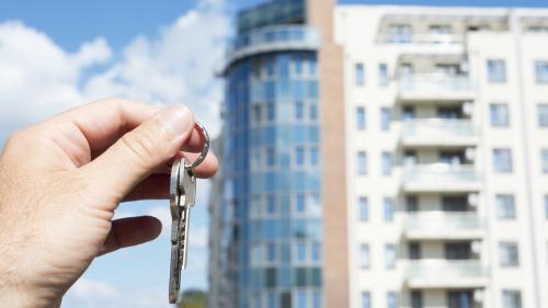 În primul semestru au fost date în folosinţă 31.355 locuinţe