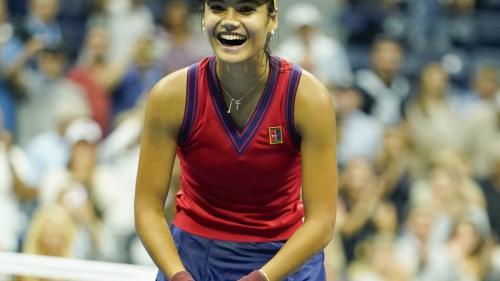 Victorie incredibilă! Emma Răducanu, jucătoare cu origini româneşti, a câştigat US Open 2021