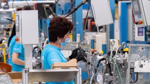 Industria prelucrătoare în creștere. Comenzile noi au înregistrat un avans de peste 27%