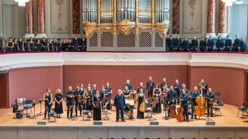 Cel mai popular concert de muzică contemporană la Festivalul Enescu 2021 îi prezintă pe basistul Avishai Cohen și dirijorul John Axelrod, împreună cu alți mari muzicieni