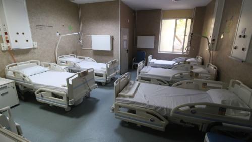 Doar 32 de paturi ATI libere pentru pacienții cu COVID- 19 în țară. În câteva orașe mari nu mai există niciun loc