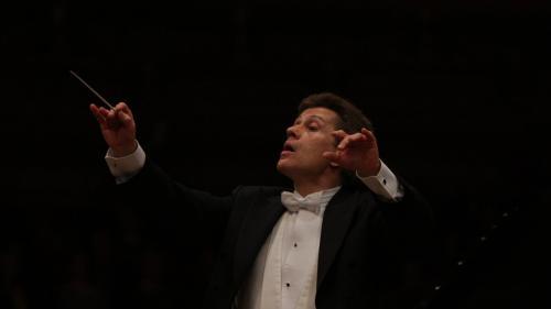 Două dintre cele mai apreciate lucrări de George Enescu, astăzi pe scenele Festivalului, cu violonistul Nicolas Dautricourt și Orchestra Simfonică a Radiodifuziunii Ungare