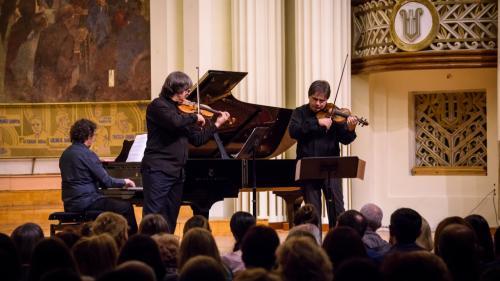 Duelul viorilor - Stradivarius versus Guarneri revine cu ediția a X-a