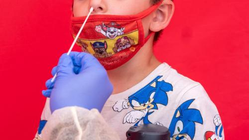Spitalele de pediatrie, în pericol. În patru prize se bagă aparate pentru 12