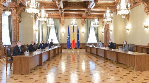 Iohannis, palmă cumplită pentru PNL. Dacian Cioloș, desemnat de președinte să formeze un nou guvern