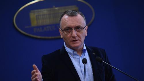 Sorin Cîmpeanu: Circa 15% din numărul total de elevi şi preşcolari studiază online