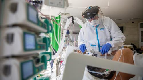 Coronavirus: Rusia depăşeşte pentru prima dată 1.000 de decese într-o singură zi