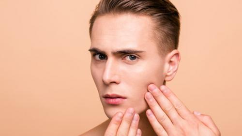 Totul despre acnee: cauze, simptome, tipuri, diagnostic, prevenție, tratament